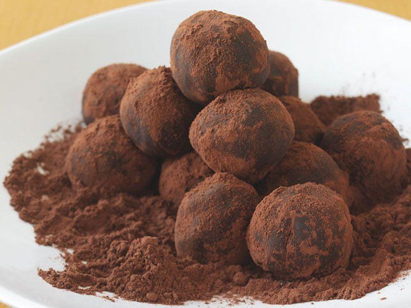 bittersweet-chocolate-truffles-646